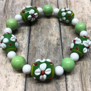 Glass bead bracelet with green stone beads NEW
